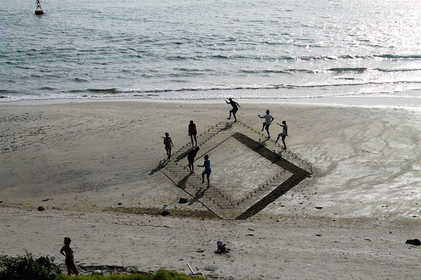 3d-optical-illusion-sand-art-jamie-harkins-5.jpg
