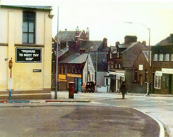 A_soldier_making_the_long_walk_to_defuse_a_car_bomb_in_Northern_Ireland.jpg