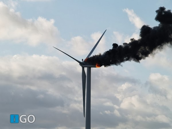 Two_engineers_died_when_the_windmill_they_were_working_on_caught_fire._This_might_be_the_last_picture_taken_of_them_alive.jpg